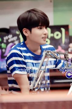 140710 Kiss the radio - [3P] -> http://hearing-ryeowook.com/xe/43803  pic.twitter.com/h69LzKgecg