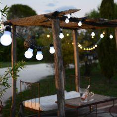 Guirlande lumineuse guinguette 15 lampes 45 leds Blachère - blanc Gazebo, Pergola, Wedding Decorations, Table Decorations, Backyard, Patio, Wood Bars, Beautiful Gardens, New Homes