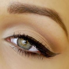A very natural matte eye look with cat eye. Simple, I think it's great and flexible, you can pair it with bold lip color or natural color lipgloss