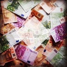 Trow it on table or on a bed, but never lose it!! The world is all about money and getting payd. Spend it wisely!!  #money #cash #brieven #euro #dutchhustlaz