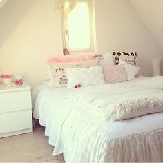 white and pale pink room - lovely