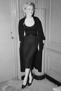 Marilyn Monroe at a press conference, 1956 - marilyn-monroe Photo