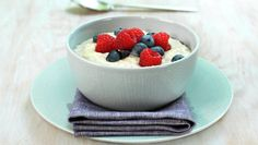 Bygggrynsgrøt Frisk, Panna Cotta, Oatmeal, Cheesecake, Food And Drink, Pudding, Dinner, Breakfast, Ethnic Recipes