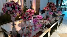 Mesa de bolo espelhada de Flores Fujimoto | Foto 1