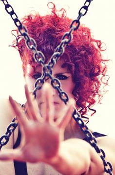 X look through chains Chains, Lens, Dreadlocks, Hair Styles, Beauty, Hair Makeup, Chain, Hairdos, Cosmetology