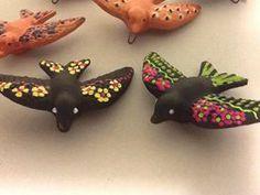 Andorinhas pintadas à mão, encomendas atraves de loja@pinturasdalyra.com