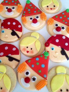 Payasos, princesas, piratas Beach Cupcakes, Oreo Cupcakes, Cupcake Cookies, Sugar Cookies, Fancy Cookies, Cute Cookies, Christmas Cookies, Carnival Crafts, Galletas Cookies