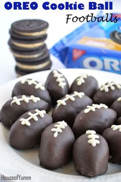 OREO Cookie Ball Footballs!  Get ready for the Big Game with these fun treats!