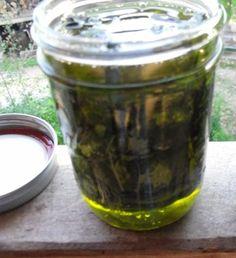 Prepare an herbal oil in 10 minutes