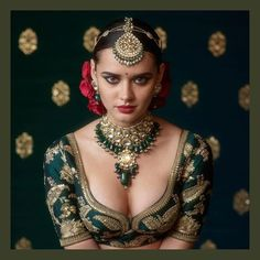 Love the Indian choli blouse by Sabyasachi, flowers in hair and the gorg model, But NOT the gaudy jewellery: 2017 Sabyasachi Jewelry Collection - Kundan Sets. Beautiful Girl Indian, Beautiful Saree, Beautiful Indian Actress, Indian Beauty Saree, Indian Sarees, Quotes Sparkle, Actrices Sexy, Indian Bridal Fashion, Uncut Diamond