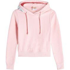 Vetements X Champion Hoodie (36.490 RUB) ❤ liked on Polyvore featuring tops, hoodies, sweaters, magenta, hoodie crop top, sweatshirt hoodies, pink hoodie, cropped hoodie and oversized hoodie