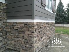 Building A House Quotes Fun Exterior Gris, Exterior Siding, Exterior Remodel, Exterior Design, Stone Veneer Exterior, Stone Exterior Houses, Exterior Paint Colors For House, Stone Siding, Exterior Colors