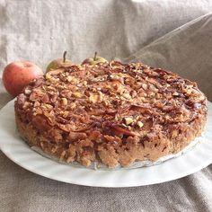 """""""Så skete det  Opskriften på svampet """"æblekage m. marcipan & kartofler"""" er landet på bloggen  God bagelyst  #glutenfri #sukkerfri #laktosefri #glutenfree #sugarfree @sukrindk #fibersirup #sukringold #kanel @urtekram #øko #organic @isis_udentilsatsukker #marcipan #æblekage #sunderekage #sunderealternativer #healthycake #udenmel #udentilsatsukker #applecake #healthyapplepie #fitfam #healthyfood #potatoes"""""""