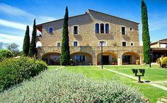 Mas de Torrent, Costa Brava, Catalonia. Porches, Rustic Houses, Spanish House, Toscana, Villas, Farmhouse, Mansions, House Styles, Travel