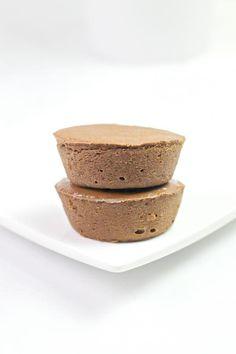 Weight Watchers Chocolate Cheesecake Cups Best Chocolate Cheesecake, Mini Cheesecake Bites, Best Chocolate Desserts, Chocolate Peanut Butter Cups, Chocolate Treats, Cheesecake Recipes, Weight Watchers Cheesecake, Freezer Desserts, Snack Recipes