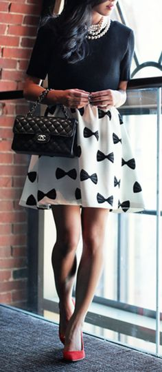 Bow skirt, need this right now!! :: Bow Patterned Skirt:: Black and White Fashion:: Red Heels--- Perfect! :: Vintage Fashion:: Retro Style:: I <3 BOWS