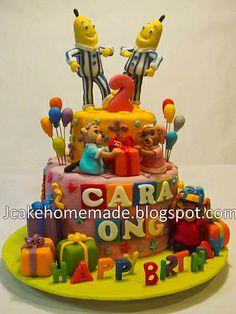 Banana in Pyjamas birthday cake