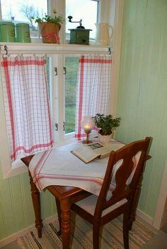 Küchenfenster Gardinen, Fenster Dekorieren, Fenstergestaltung,  Schwedenhaus, Fenster Und Türen, Baumhaus, Schöner Wohnen, Küchen Ideen,  Wohnraum, ...