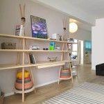 TIPI l'étagère design multifonction bureau par Assaf Israel - bibliothèque en bois pour salon se transformant en bureau