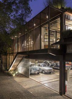 Gallery of GSC / SuperLimão Studio + Gabriela Coelho - 26 Industrial Home Design, Industrial House, Loft Design, Garage Design, Steel Building Homes, Garage Loft, Modern Garage, Showroom Design, Container House Design