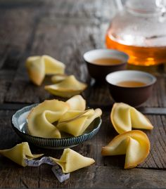 DANI VALENT COOKING - Fortune Cookies. Making fortune cookies is a bit tricky, so it's best tackled with friends in a spirit of fun. See my Chinese Entertaining hub for printable fortunes, styling tips, handicrafts to make and a music playlist to enjoy while you cook and eat. https://danivalentcooking.com/entertaining/chinese/ Sign up for more fabulous recipes and video demos at www.danivalentcooking.com #Thermomix #easyrecipe #chinese #fortunecookies