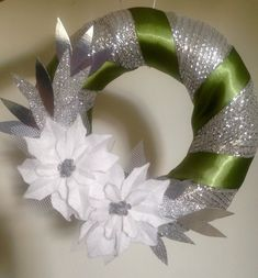 Diy And Crafts, Christmas Wreaths, Holiday Decor, Home Decor, Christmas Crafts, Garland, Christmas Decor, Dressmaking, Decoration Home