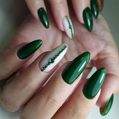 New nail art trends bring you unlimited nail design inspiration - Page 94 of 117 - Inspiration Diary Green Nail Designs, Natural Nail Designs, Nail Art Designs, Manicure Nail Designs, Nail Manicure, Nails Design, Design Design, Holiday Nails, Christmas Nails