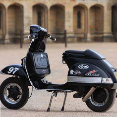 Vespa Motor Scooters, Scooter Bike, Lambretta Scooter, Cafe Racer Motorcycle, Motorcycle Design, Vespa Italy, Quad, Vespa Px 200, Custom Vespa