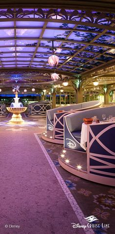 Inspired by the picturesque gardens of Versailles, Enchanted Garden aboard the Disney Dream and Disney Fantasy boasts a market-inspired menu of mouthwatering flavors from around the world—and a wondrous environment that magically transforms over the course of the dining experience.