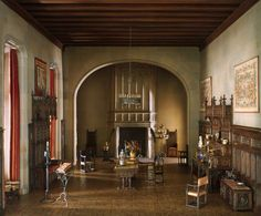 Unbelievable miniature room display, again was done by a master miniaturist
