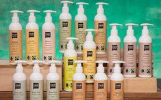 Fair Squared ist die weltweit erste Fairtrade- Naturkosmetik-Pflegeserie: Die Produkte tragen das Fairtrade- sowie das Natrue-Siegel, sie sind halal, größtenteils vegan und selbstverständlich tierversuchsfrei.