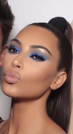 Kim kardashian in blue eyes shadow