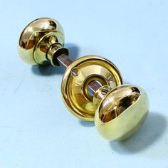 A good pair of basic brass rim lock bun handles. Knobs have a couple of small dings commensurate with age. £18.00