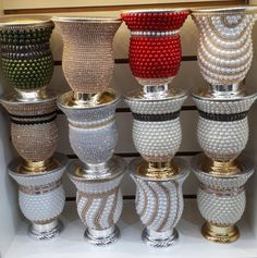 Glitter Wine Glasses, Diy Wine Glasses, Decorated Wine Glasses, Fall Candle Centerpieces, Diy Candles, Vases Decor, Diy Bottle, Bottle Art, Bottle Crafts
