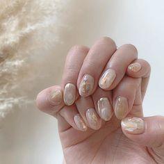#lilyuria_nail . . 淡いパープルとブラウンで シンプルなおまかせデザイン❤︎ . . Asian Nail Art, Asian Nails, Korean Nail Art, Korean Nails, Diy Nails, Cute Nails, Manicure, Chrome Nail Art, Nails Now
