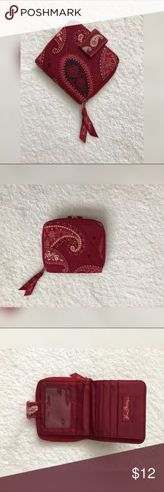 < Small Vera Bradley Wallet > Vera Bradley wallet in good used condition! Small spot in the corner that could be washed out other than that great condition! Vera Bradley Bags Wallets