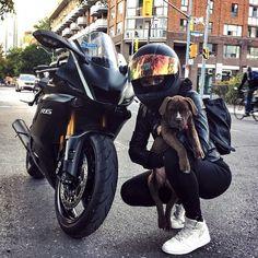 Black Yamaha motorcycle biker girl and dog .-Schwarzes Yamaha Motorrad Biker Mädchen und Hund # … – Auto Innenausstattung Design Black Yamaha motorcycle biker girl and dog # … - R6 Motorcycle, Motorbike Girl, Motorcycle Design, Motorcycle Style, Girl Bike, Motorcycle Girls, Motorcycle Outfit, Moto Yamaha R6, Yamaha R6 Black