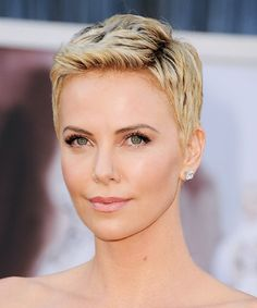 Charlize Theron's Attention-Grabbing Pixie Cut