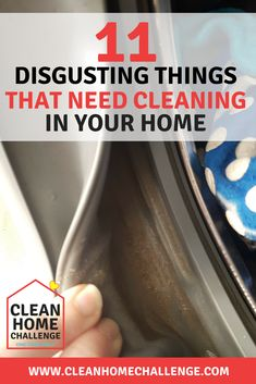 Brilliant Hacks to Clean Glass Shower Doors - Festimater Spring Cleaning Checklist, Car Cleaning Hacks, Toilet Cleaning, Cleaning Schedules, Speed Cleaning, Oven Cleaning, Bathroom Cleaning, Cleaning Supplies, Borax
