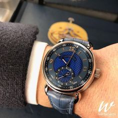 Not your typical ten past ten look 🤔 Kari Voutilainen's playful Vingt-8 ISO.  #Watchonista #Voutilainen #karivoutilainen #vingt8iso #watches #montres #relojes #orologi #uhren #watchmaking #watchmania #dailywatch #watchesofinstagram #watchoftheday #menstyle #luxury