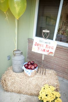 This would be cute at the door o the church for vbs!!!