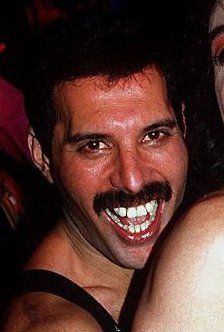 Freddie Mercury, smile!