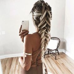 Make those good hair days count. Isn't this look so pretty?! Hair goals as…