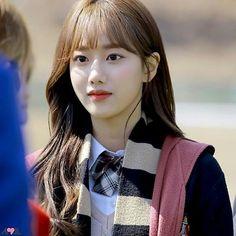 망치엄마 April Naeun💜💙さんはInstagramを利用しています:「마봅사 낭니👍 . . . #에이프릴나은 #에이프릴 #나은 #망치엄마 #졸업사진 #에이틴 #김하나 #낭 #비주얼 #예쁘다예뻐 #예쁜게죄 #DSPmedia #DSP」 Uzzlang Girl, Pretty Asian, Cute Couple Pictures, Drama Korea, Korean Actresses, Korean Girl Groups, Kpop Girls, Cute Couples, Asian Beauty