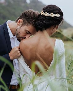 Tips For Planning The Perfect Wedding Day. A wedding should be a joyous occasion for everyone involved. The tips you are about to read are essential for planning and executing a wedding that is both Wedding Kiss, Wedding Goals, Wedding Couples, Dream Wedding, Wedding Day, Magical Wedding, Budget Wedding, Wedding Planner, Wedding Ceremony