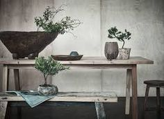 The Wabi-Sabi can be found in any room of the house, without exception. What is interesting in the dining room is that you can create a fairly minimalist Decor, Slow Living, Minimalist Dining Room, Stylish Sofa, Wabi Sabi, Minimalist Decor, Entryway Tables, Trending Decor, The Wall Show
