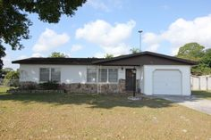 SOLD - 2403 Cleveland Road! This cute pool home is centrally located and 1/2 block from Lake Sebring in Sebring Shores, just of the Sebring Parkway.