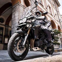 Triumph 1200, Triumph Tiger 800, Touring Motorcycles, Triumph Motorcycles, Bmw Adventure Bike, Coventry, Gs500, Bike Photo, Super Bikes