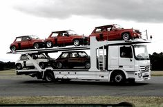 Turbo on a Mercedes transporter Renault 5 Turbo, Alpine Renault, Gt Turbo, Turbo Car, Mercedes Benz Trucks, Miniature Cars, Car Carrier, Classic Sports Cars, Train Car