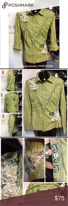 Johnny was 3Y Workshop Button Down Top Johnny was 3Y Workshop Button Down Top Extra Large, Studded & floral motif Green Western Cowgirl style Gently used consignment piece   Need more information, measurements? Please message me.  Thanks for checking out my Closet. I list items daily so please check back Johnny Was Tops Button Down Shirts